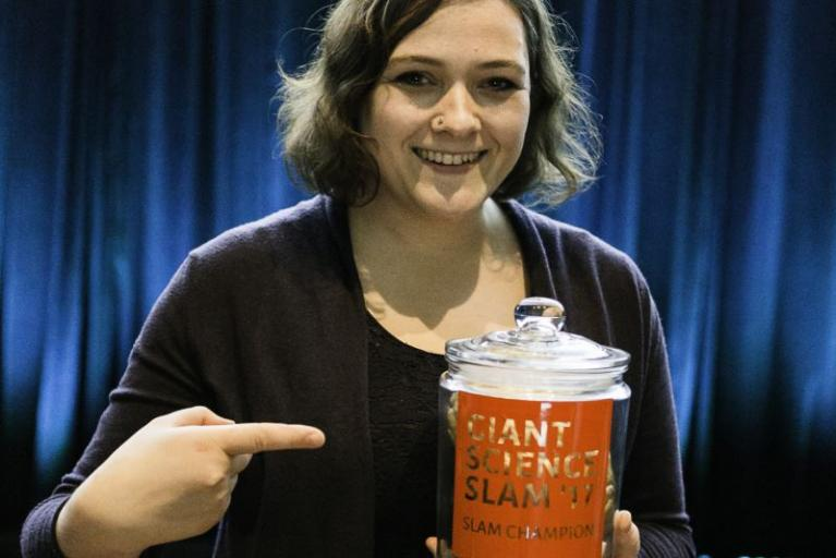 Susanne Grube gewinnt Giant Science Slam