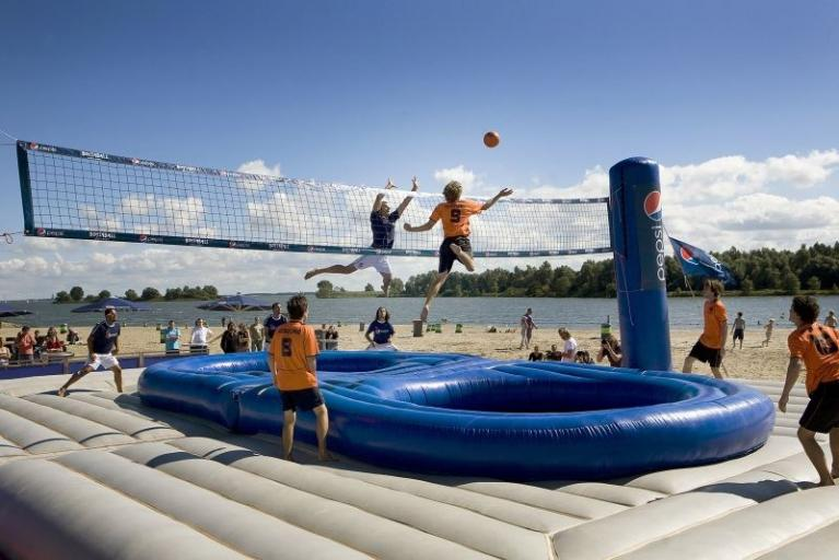 Trampolin, Bossaball und Virtual Reality